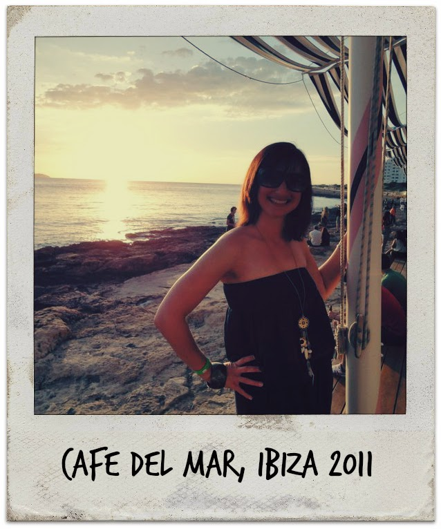 Picture of Tin Box Traveller in front of a sunset at Cafe del Mar in Ibiza