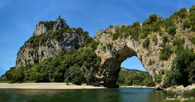 Pont d'Arc dans les gorges de l'Ardèche