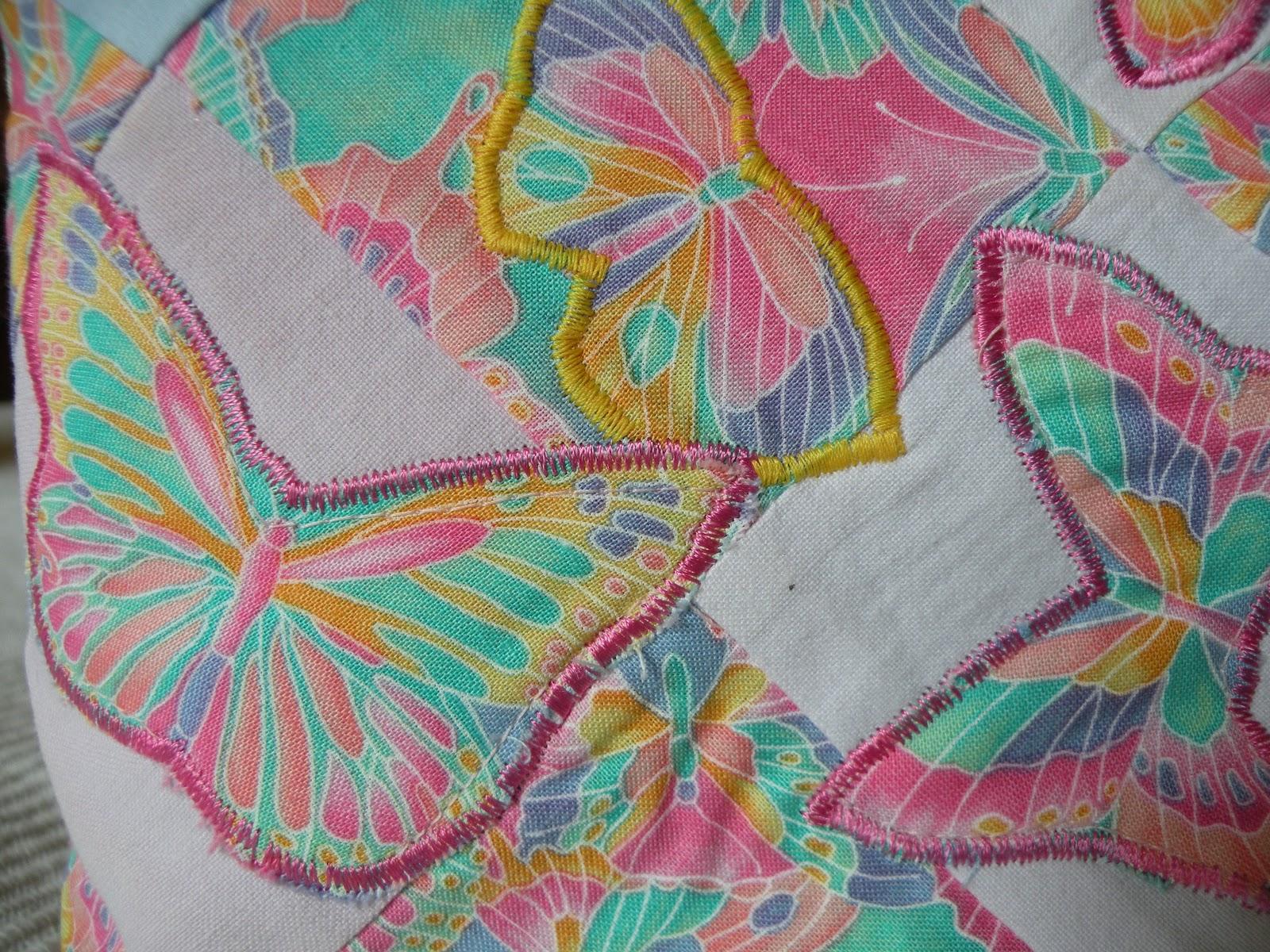 aplikoituja perhosia