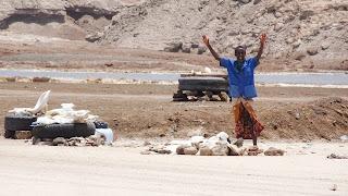 Big market originates in the Lake of Assal