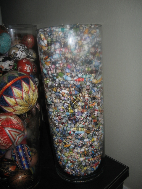 A Real Retired Housewife Of Florida So Many Paper Beads