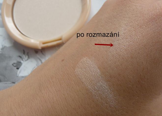 Rozjasňující pudr Kosmetika Moje swatch