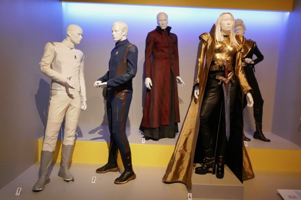 Star Trek Discovery season 1 costumes