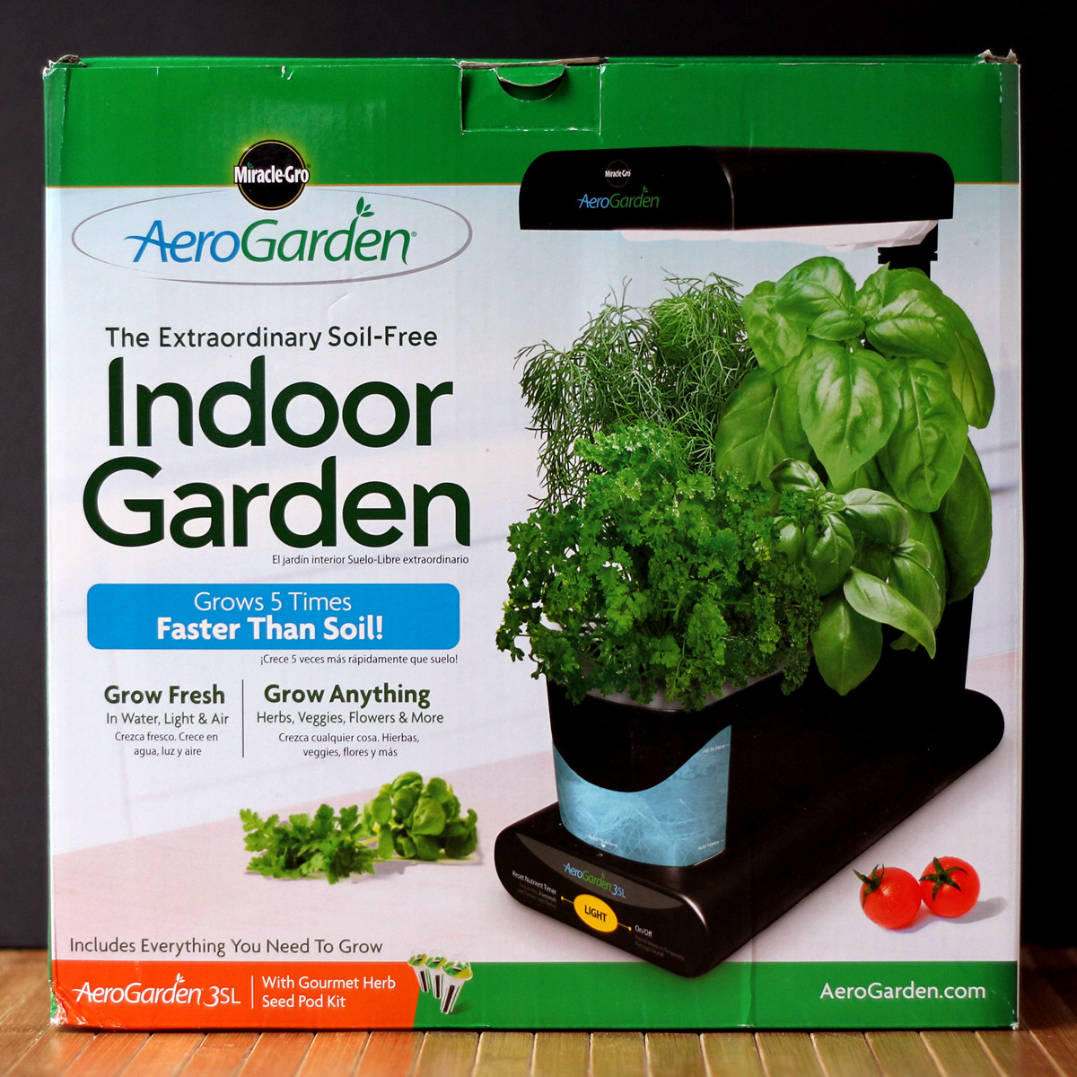 Cookistry 39 s kitchen gadget and food reviews the indoor for Indoor gardening gadgets