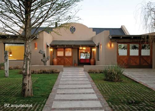 Arquitectura de casas nuevas casas de campo en argentina for Casa clasica country