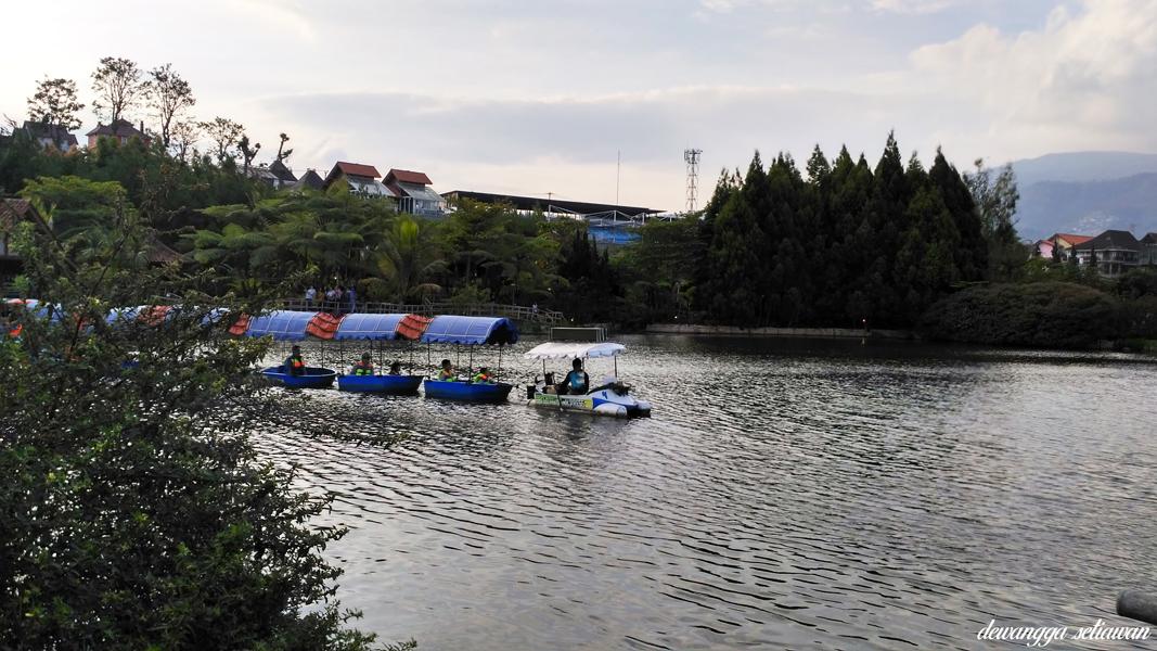 Kenyang Berburu Kuliner Di Floating Market Lembang Bandung