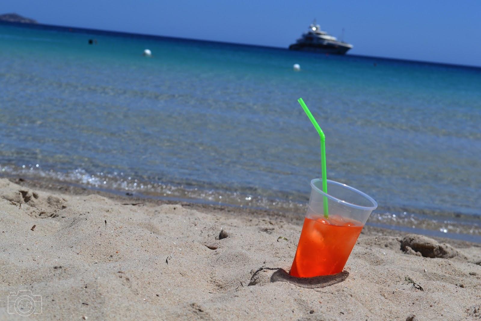 Un piccolo spritz , apéro à la plage, Sardaigne