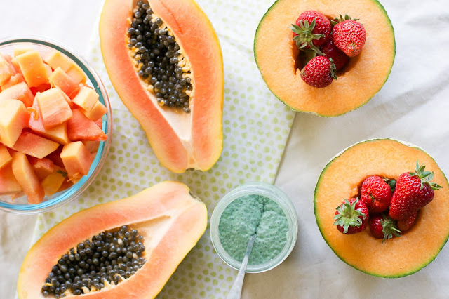 papaya, spirulina, coconut milk, chia pudding, skin health, gut health, fiber, vegan, gluten-free, raw food, summer, vitamin a