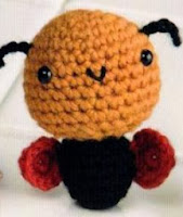 http://translate.googleusercontent.com/translate_c?depth=1&hl=es&rurl=translate.google.es&sl=ru&tl=es&u=http://amigurumi-toys.ru/babochka-v-klubnichke-amigurumi/&usg=ALkJrhiLZFJfZ7vKuQlmREdXS-kVM_CYZg