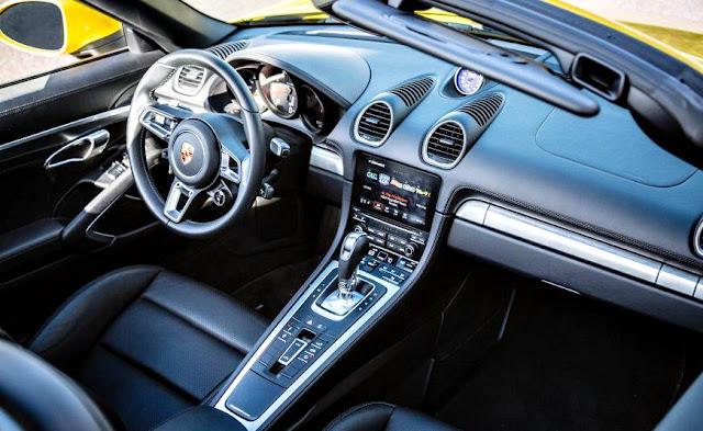 Porsche 718 Boxster PDK automático inside