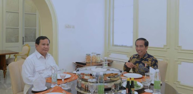 Di Balik Diplomasi Ikan Bakar Jokowi & Prabowo, Anies Baswedan sebagai Figur Alternatif Menggantikan Ahok? : Detikberita.co Terbaru Hari Ini