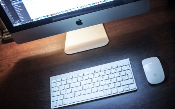 Wallpaper: iMac Keyboard & Mouse