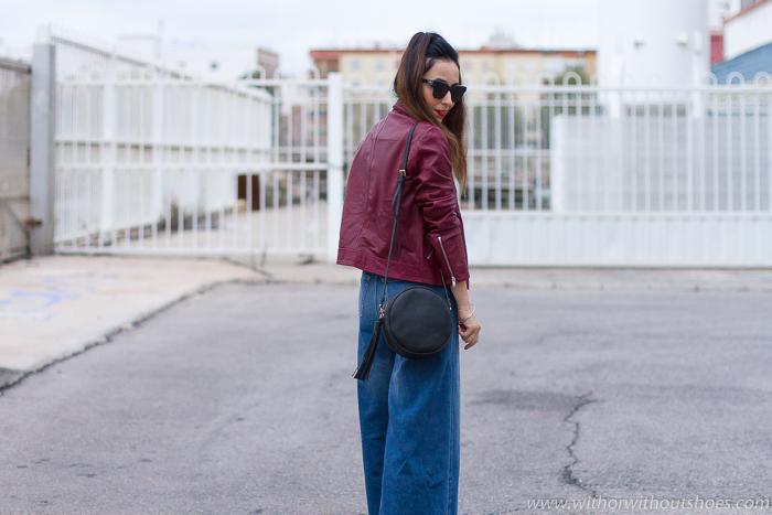 Influencer blogger valencia con look urban chic comodo estiloso idea como combinar jeans vaqueros palazzo acampanados flare
