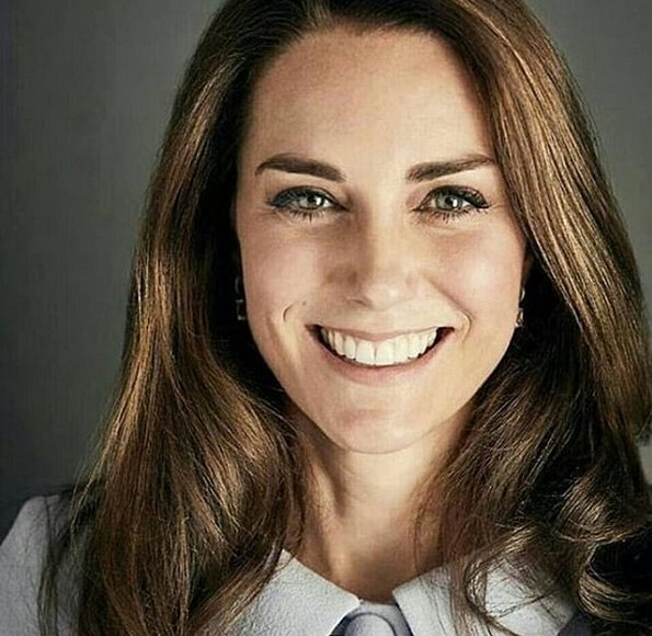 Duchess Catherine of Cambridge was released. Prince George released on his fourth birthday. 2017 Christmas photo of Cambridges family