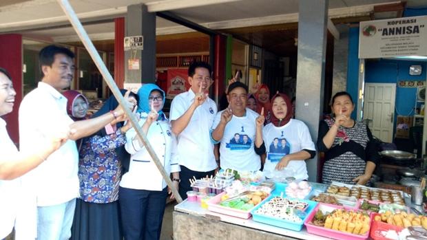 H Nadalsyah-Sugianto Panala Putra, Dapat Sambutan Hangat Warga Pasar Ipu