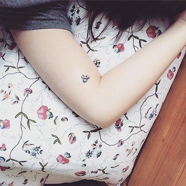 tatuajes pequeños con iniciales