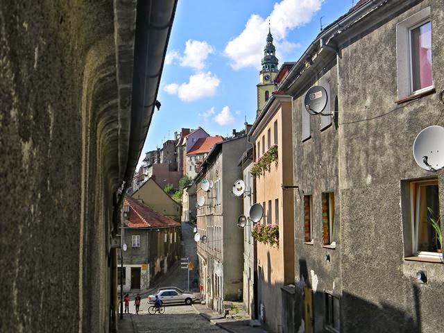 uliczka, kamienice, miasteczko