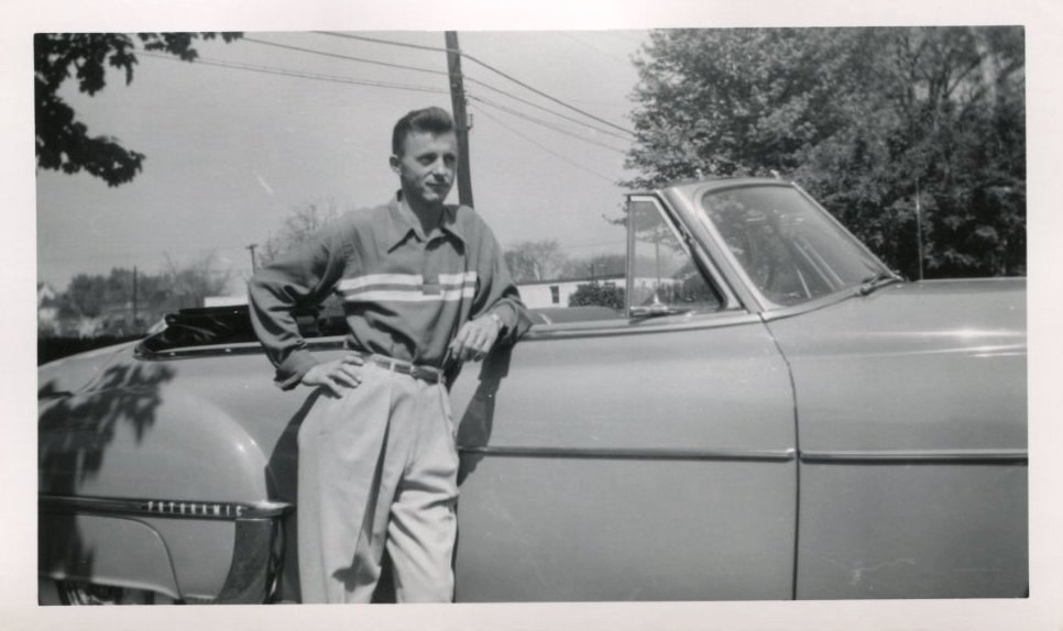 35 Vintage Snapshots Of People Posing With Their Classic