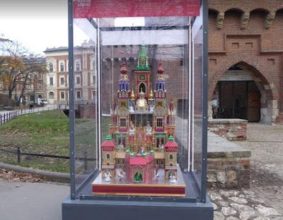 presepe tradizionale di Cracovia davanti al Barbacane