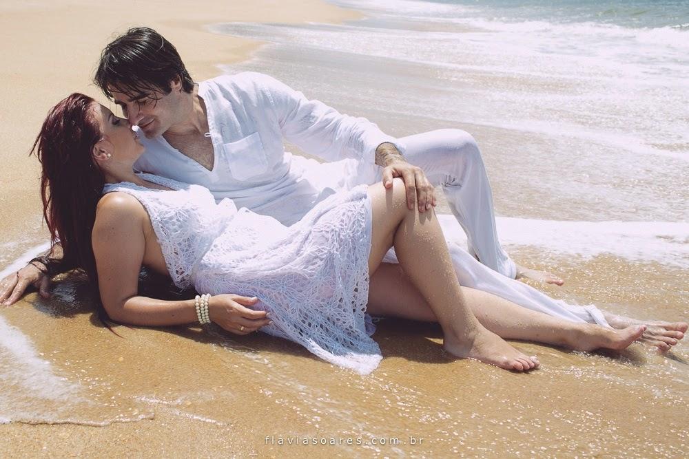 esession-romantica-noivos-praia-3