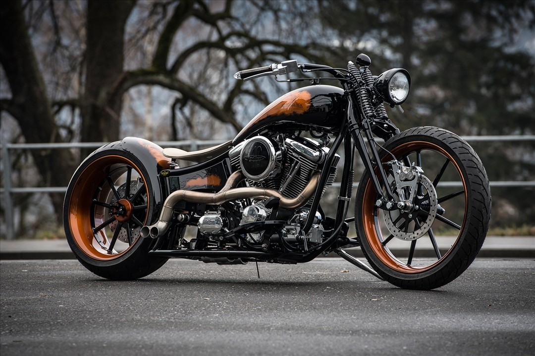 Unreal-soaked brutality custom black pearl from Bobber Garage 1