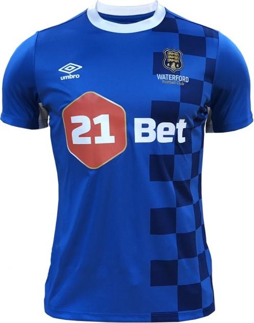 Umbro lança a nova camisa titular do Waterford - Show de Camisas 645c77d01c326