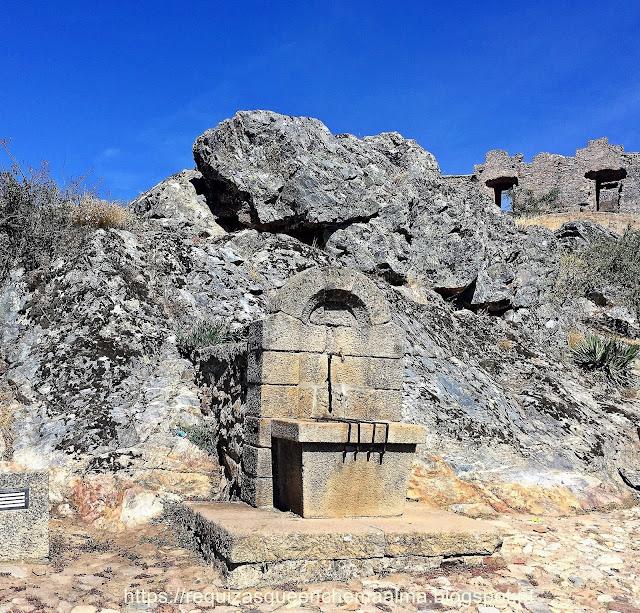 Fonte medieval da vila de Castelo Rodrigo
