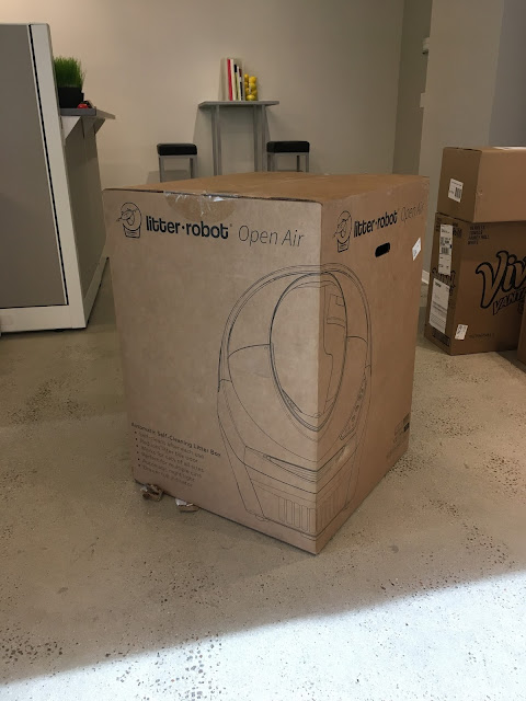 Unboxing litter robot
