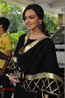 Bollywood Actress Sana Khan Launches Aakrithi Exibition  0149.JPG