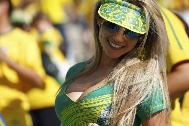 pendukung cantik dan seksi dari Brasil