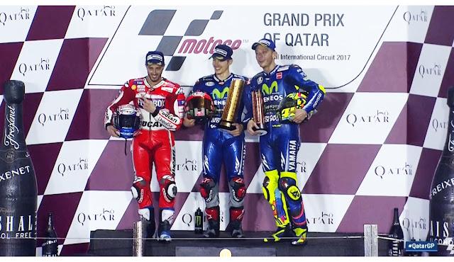 podium moltogp qatar 2017, Foto-Podium-MotoGP-Qatar2017_1-Vinales_2-Dovisioso_3-ValentinoRossi
