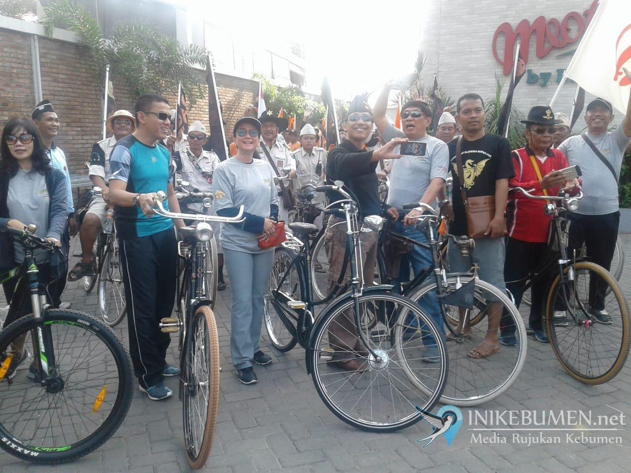 Ribuan Warga Meriahkan Sepeda Santai dan Jalan Sehat Meotel Kebumen