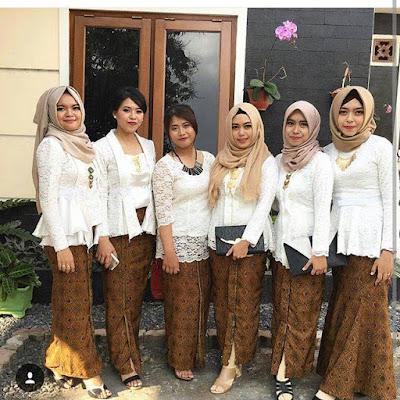 Model Kebaya Brokat Kutubaru Putih Rok Batik Solo
