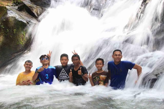 Rombongan Tingkat 2 Air Terjun Tengai' Wisata Kec Nanga Mahap Kab Sekadau - kaharsan