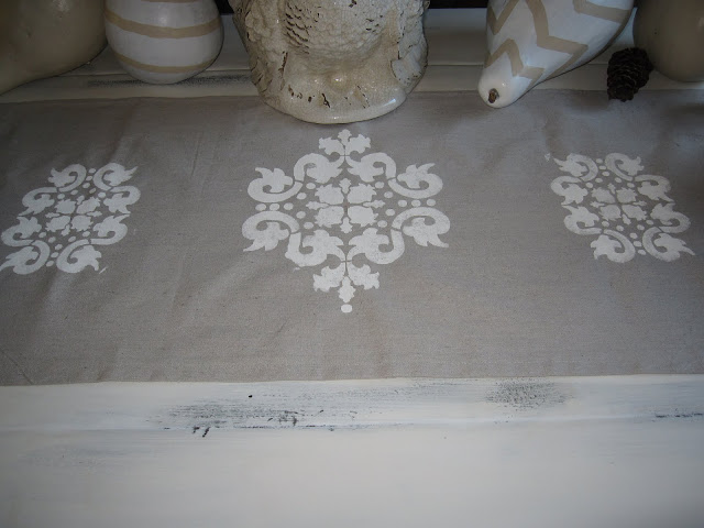DIY shabby chic table runner