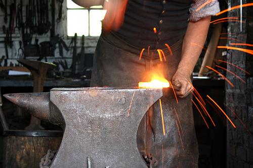 Blacksmith Verringtan   WoWWiki   FANDOM powered by Wikia  Wow Blacksmithing Projects
