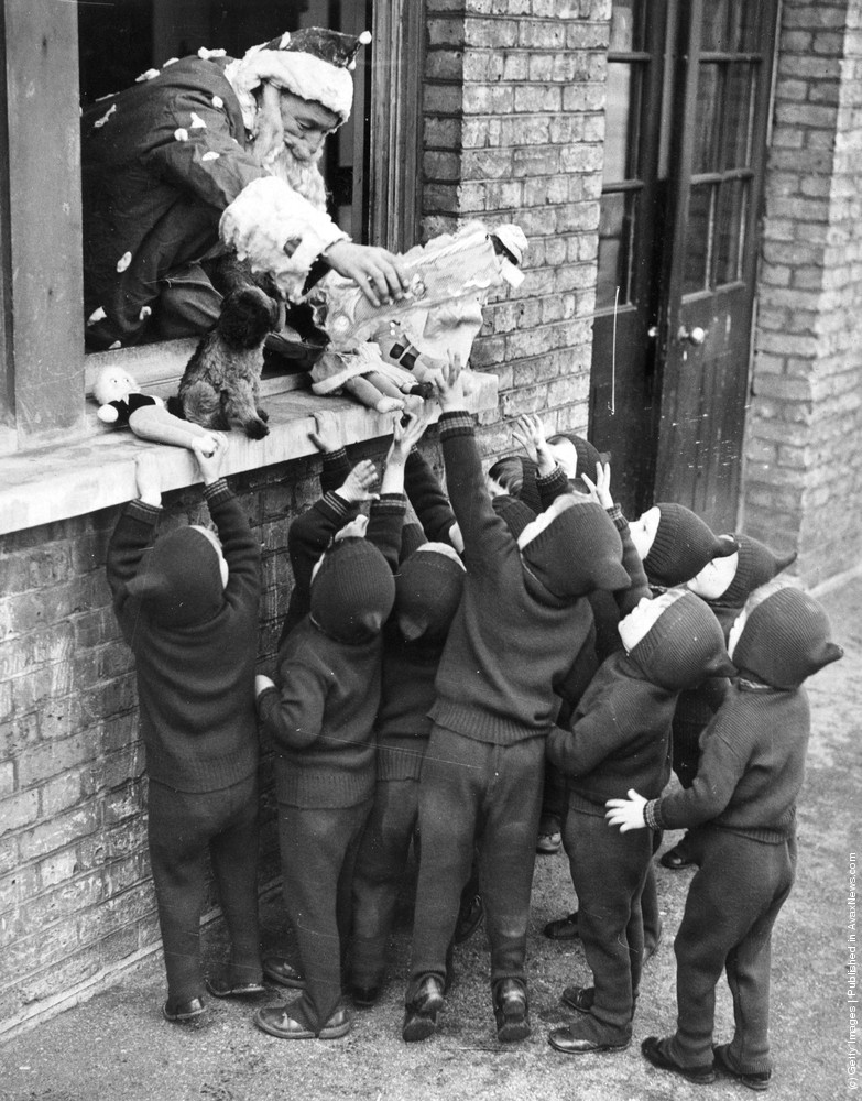 Father Christmas Hands Out Presents To Children At The Aid And Adoption Society Home Leytonstone 7th December 1938 Photo By Gerry Cranham Fox