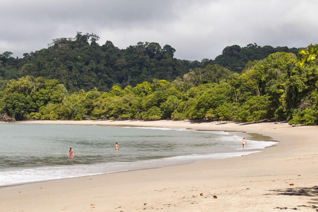 Playas dentro del Parque Nacional Manuel Antonio
