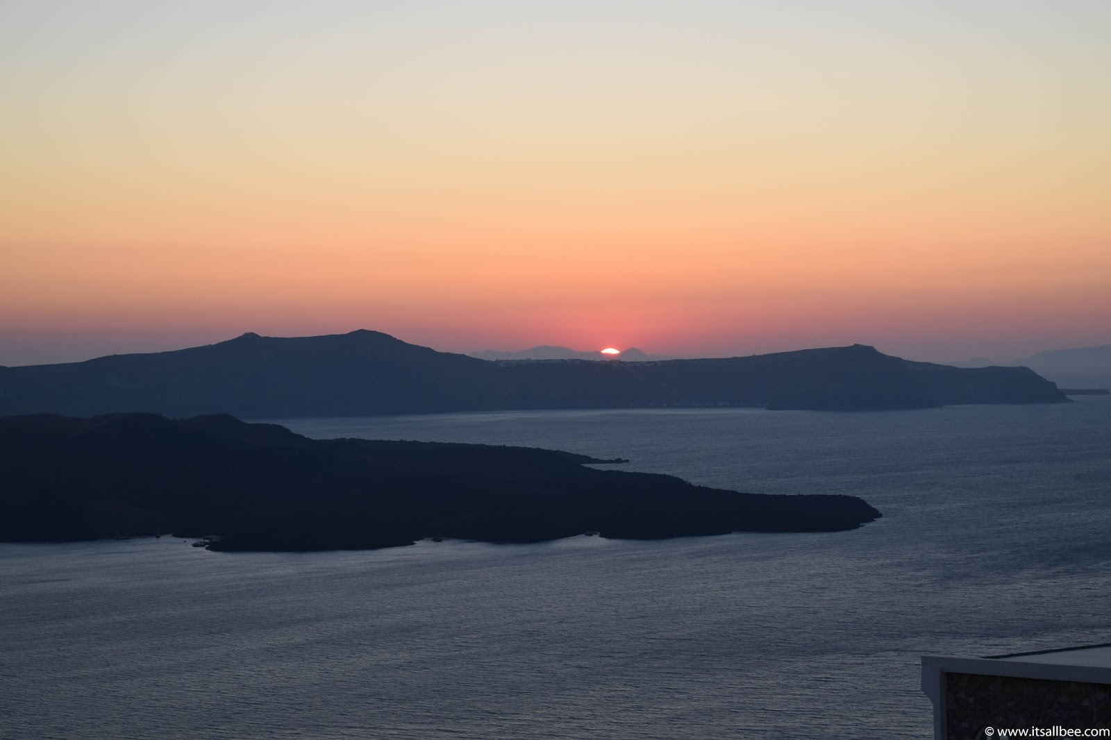 Best Santorini Beaches | Santorini Sunset | the best beach in santorini