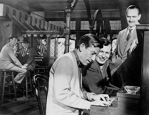 Dana Andrews, Harold Russell, Hoagy Carmichael, Fredric March in the bar in The Best Years of Our Lives