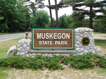muskegon chat sites Our sites take pride in offering a great dating service that offers 24/7 365 live chat support, advanced chatroom, im, & lots more if your looking for wealthy muskegon michigan, then you just found what you were looking for right here.