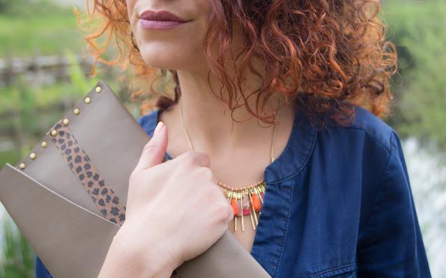 look robe en jean promod pochette en cuir amand rouge à levres gerard cosmetics