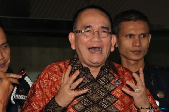 Ruhut Klaim Yenny Wahid Pilih Jokowi