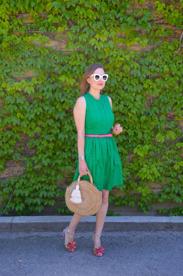 b2b49ce5699 Dress  J. Crew Factory here. Belt  Kate Spade Shoes  J. Crew here. Bag   Zara similar here. Sunglasses  Celine
