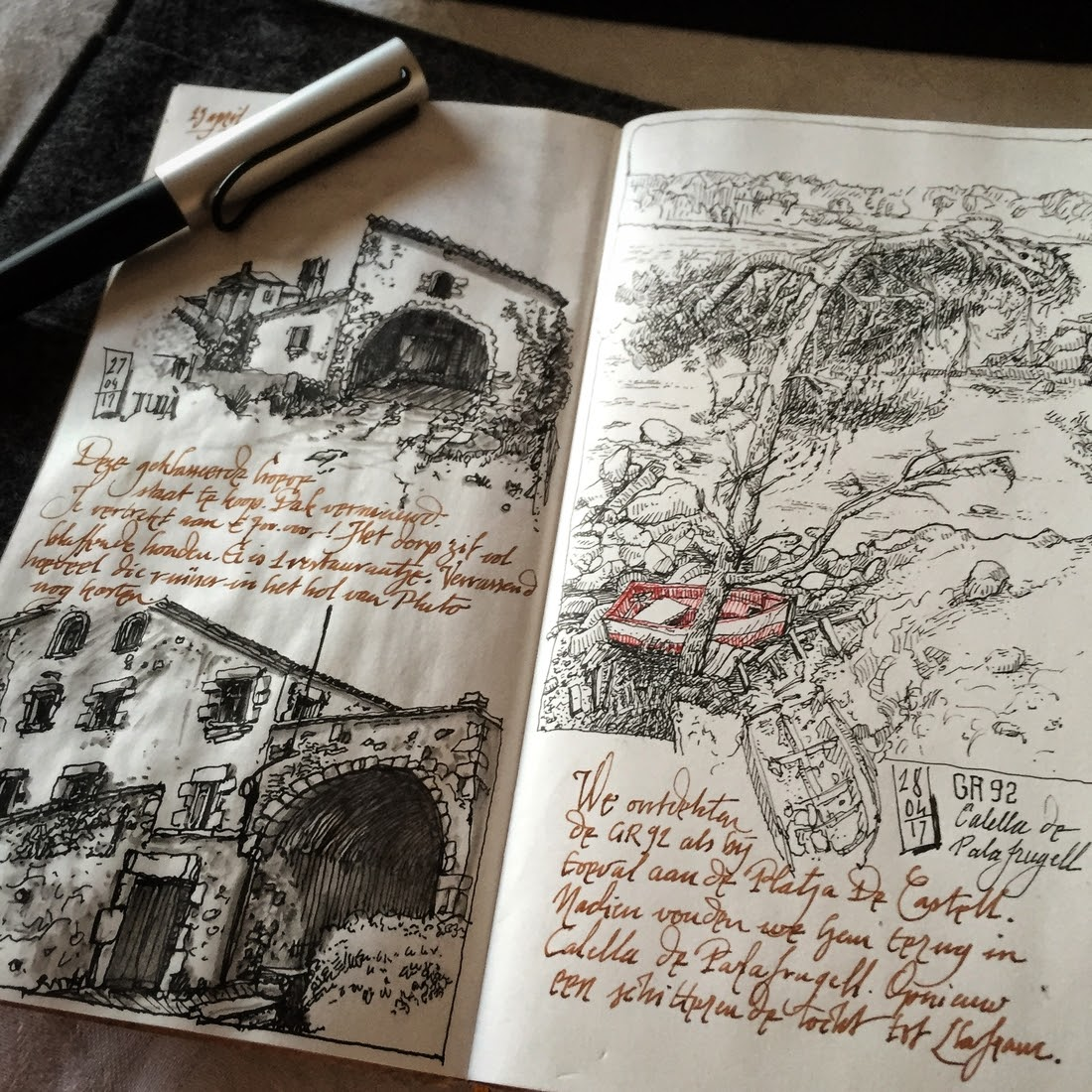 12-Platja-de-La-Fosca-dessinauteur-Urban-Sketches-and-Travel-Journals-on-Moleskine-www-designstack-co