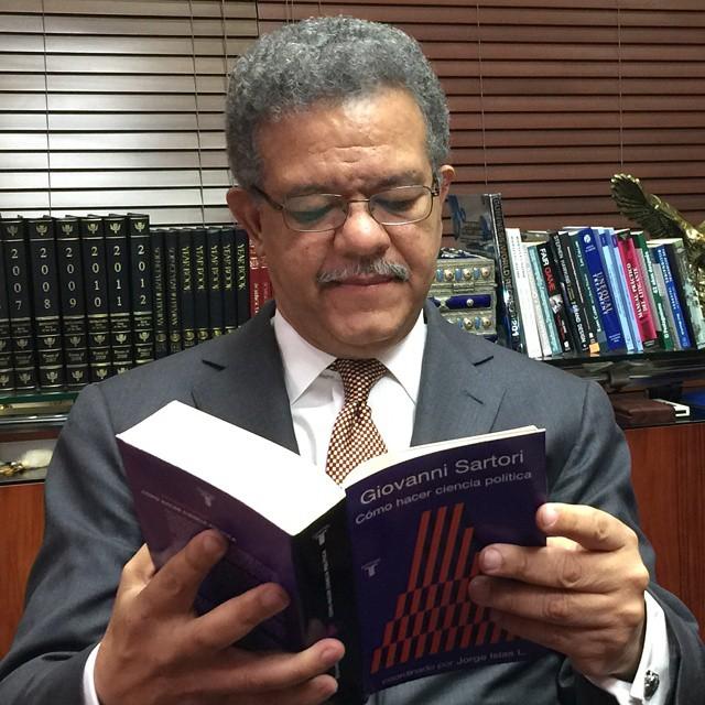 Ex presidente Leonel Fernández encabeza puesta en circulación de obra de escritor y abogado dominicano Marcelino Ozuna