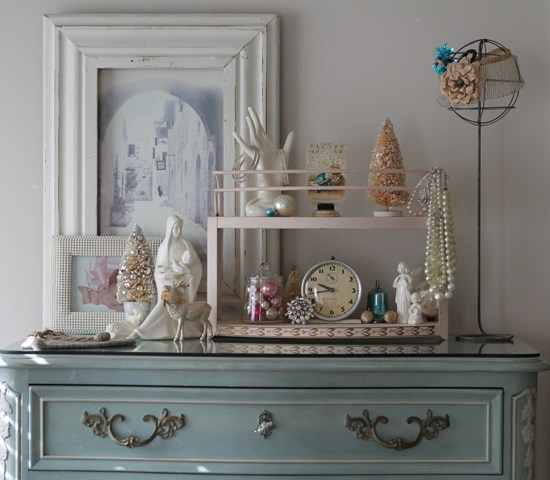 Helen And Her Daughters Bedroom Vintage Christmas Vignette