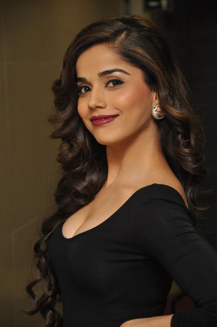 Aparna Bajpai latest hot photos gallery