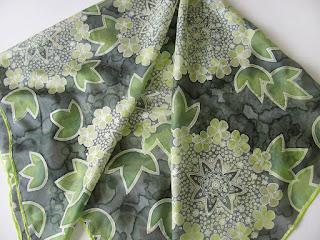 Hand painted silk scarf snowball tree blossoms, silk painting / Silko tapyba Putino ziedai, silko salikelis