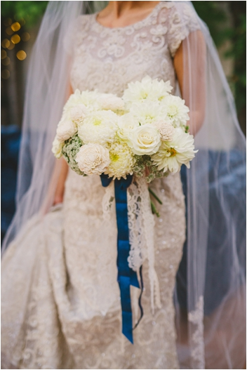 Beautiful white and ivory bouquet by Bella Bloom Floral Design // Photo by Closer to Love Photography via @thesocalbride